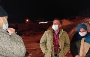 بازدید شبانه استاندار از چادرهای اسکان مردم زلزله زده شهر سی سخت